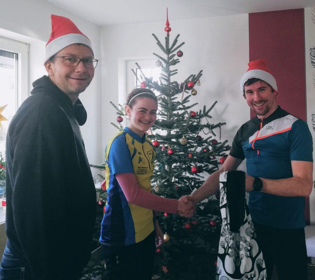 Geschenk für Anna Wartewig für ihre sportlichen Leistungen im Jahr 2019
